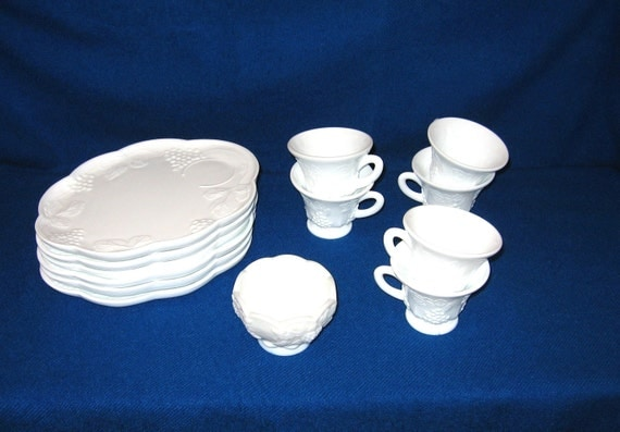 Vintage Milk Glass Luncheon Snack Plates and Cups 6 piece set