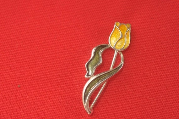 SALE - SPRING TIME - Vintage Sterling Silver Tulip Pin from the 1970's - Excellent Condition