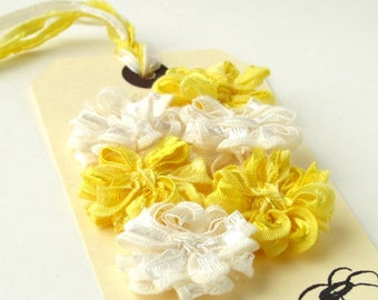 6 Ribbon Daisies, yellow and ivory set