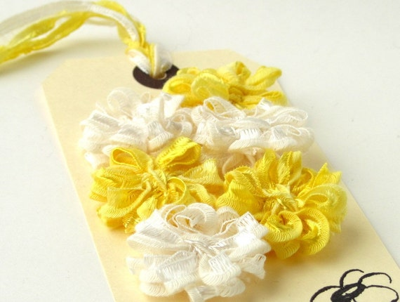 6 Ribbon Daisies, yellow and ivory set