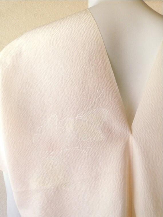 SALE Vintage kimono silk blouse one size
