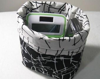 Mini bag -- Black and white contrast