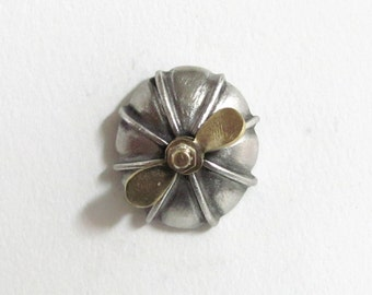 Airship Nose interactive SteamPunk Tie tac, tac Pin - the propeller spins