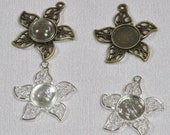 10 pcs 12mm Flower Pendant Trays with Glass Cabs 12mm in Silver and Antique Bronze