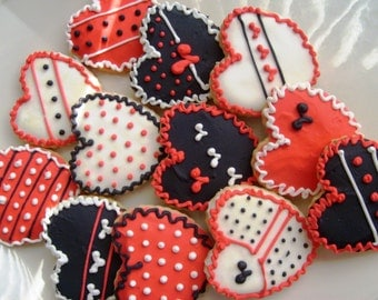 Heart Valentine Cookies -Red and Black and White Heart Valentines - Heart decosrated cookies - 1 Dozen