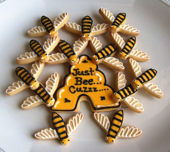 JUST BEE Cuzzzzzzzzzzz - Bumble Bee Cookies -  13 cookies