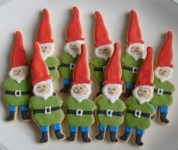 ELF - GNOME Decorated Cookies - Elf Cookie Favors - Christmas Cookies - 10 Cookies