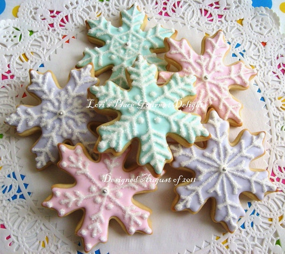 Reserved for Loren---Snowflake Cookies - Christmas Cookies - Decorated Cookies - 12 Snowflakes