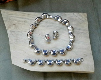 Necklace Bracelet and Earrings Set - Silver Shells Vintage - Price Reduced