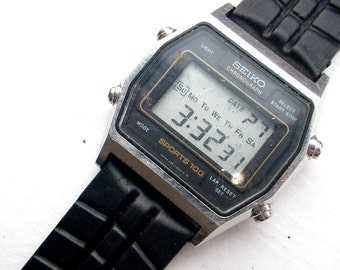 Vintage Geek Chic - Sieko Sports 100 Digital Chronograph Watch