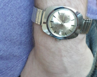 Gruen Automatic 1960s Chunky Watch with Date.