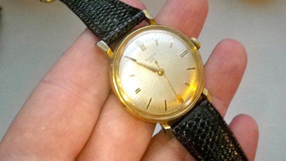 Timex 100 Vintage Mens Watch