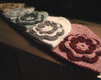 6-12 Months crochet baby hat with flower from very soft Organic Cotton Yarn
