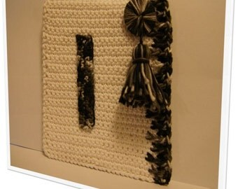 "Cute crochet alphabet - ""I"". Door frame or closet"