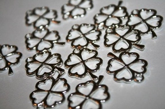 Clover Charms, Four Leaf Clover, Shamrock, Silver Pewter, 25 Pieces