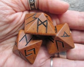Unique and Exclusive - Rune Dice - in Hawthorn Wood. Set 53.