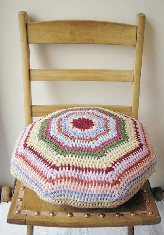 molly... crochet 'granny' cushion cover