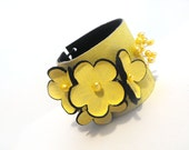 Yellow floral leather bracelet with pearls