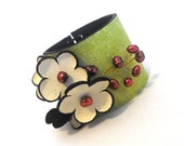 Leather bracelet with pearls Leather jewelry