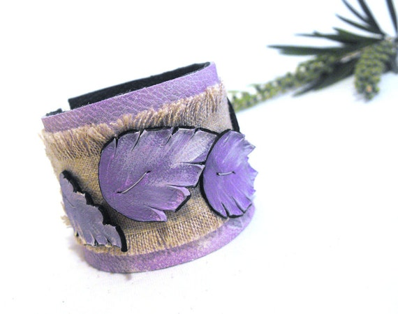 Leaves linen leather bracelet. Purple color