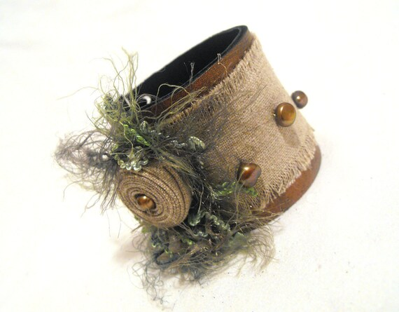 Nature inspired leather bracelet. Leather jewelry