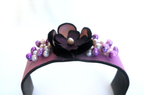 Purple leather bracelet with flowers