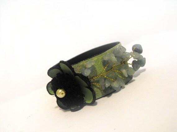 Green flowers leather bracelet