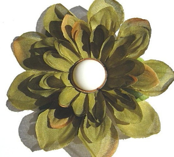 Flower hair clip or brooch, Autumn accessories, olive green, vintage