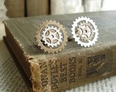 INDUSTRIAL CHIC Jewelry - Steampunk Cufflinks. Antiqued Brass and Silver Gears. Victorian Steampunk  Mens Jewelry. Clockwork Gear Jewelry.