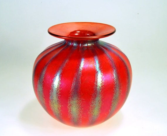 Cabinet Vase, Multi-Red, Luster Stripes