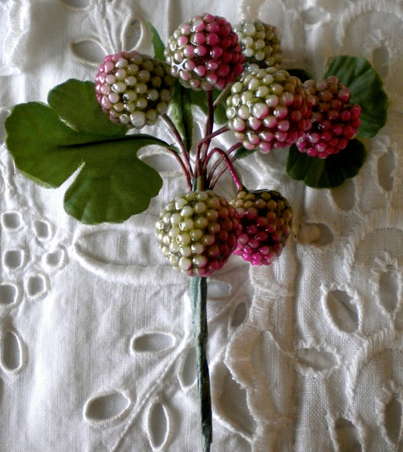 1960s Green and Pink Berries