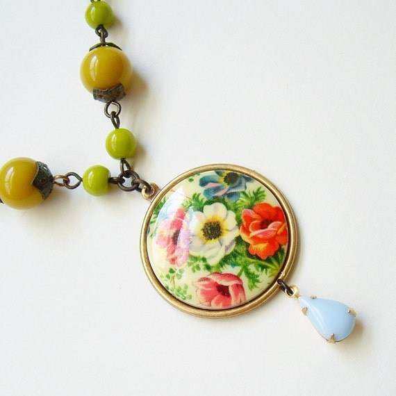 Flower Cameo Necklace Poppy Floral Pendant Green Vintage Beads Victorian Jewelry