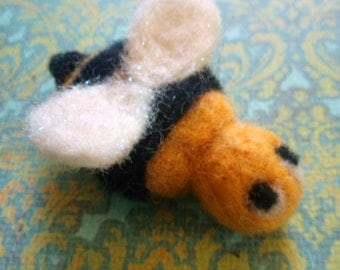 Needle Felted Bee - Felt Wool Bee - Bzzy Bzzy the Needle Felted Bee - Needle Felted Insect - Summer Felted Critter - Bumblebee Decor
