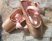 DANUSHAROSE Vintage Magical European Peachy Pink Ballet Pointe Toe Shoes