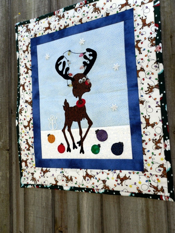 Reindeer Quilt Holiday Wall Hanging Applique 16 1 2 In X