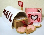 Felt Mailbox Valentine Pattern- Instant Download - PINK POST OFFICE - Send letters and cookies