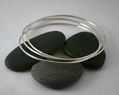 Interlocking Triple Silver Bangle Bracelet- Smooth or Hammered Finish