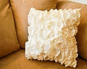 Ruffles Pillow in Off-White