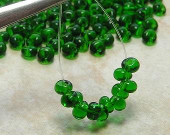 5/0 (5x4mm) Emerald Czech Glass Teardrop Beads 10 Grams (CS177)