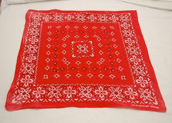Vintage Fast Color Bandana red cool pattern