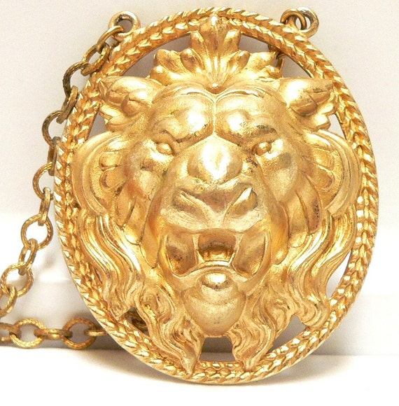 1960s NAPIER Gold Lion Necklace - free shipping worldwide