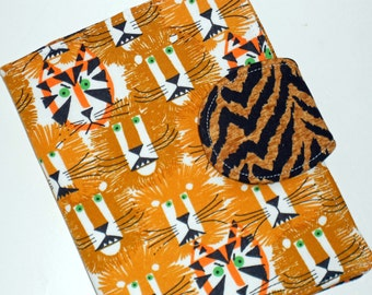 Nook Samsung Cover, Kindle Paperwhite, Kindle Voyage, all sizes Lions and Tigers eReader Book Cover