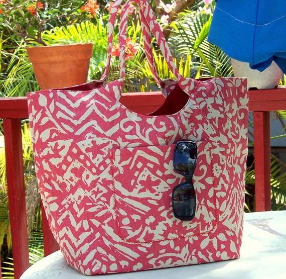 Art Deco Red and Beige Tote Bag