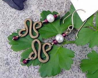 Free shipping Exotica  hand forged brass earrings with freshwater pearls and genuine garnets