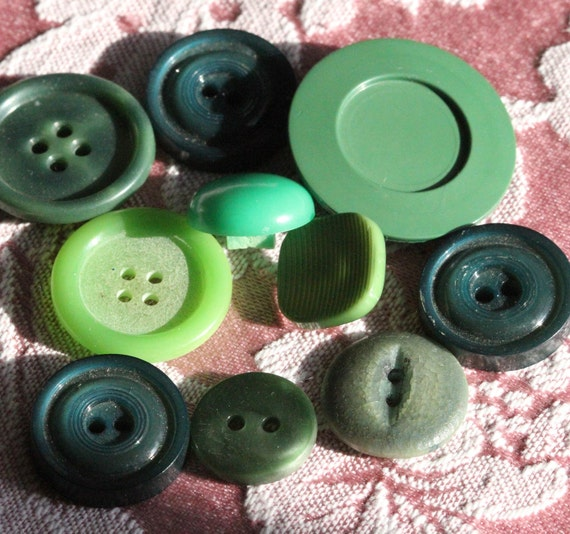 Sweet Pickles - Shabby Chic - Vintage Green Buttons Destash