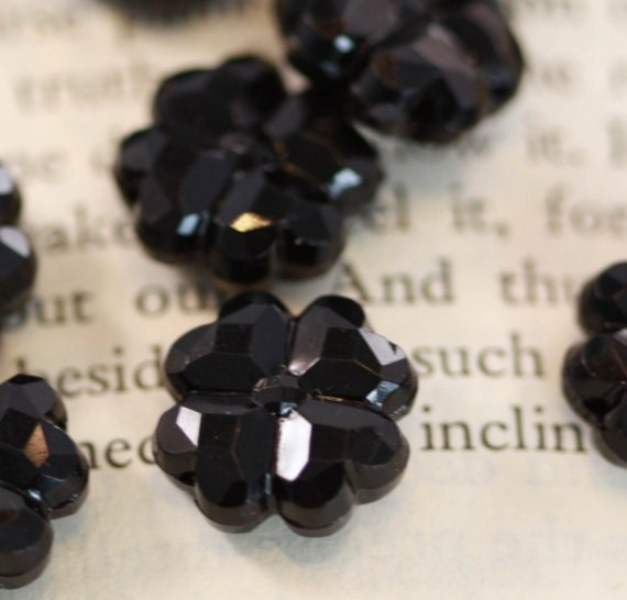 Beautiful Jet Black VINTAGE  shamrock shaped multi-faceted beads (30) - 12  mm size, Punk, Goth, Fun