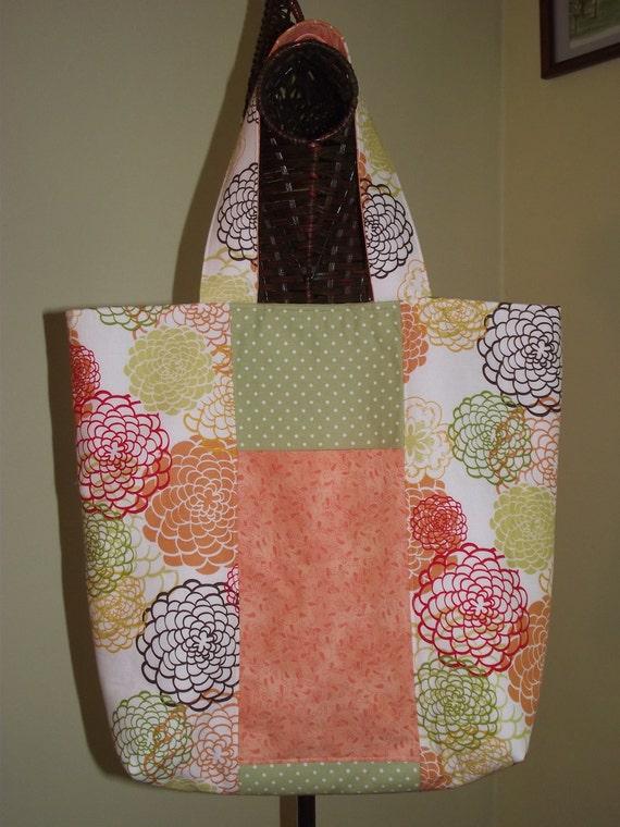 Four Pocket Tote Bag in Spring Floral