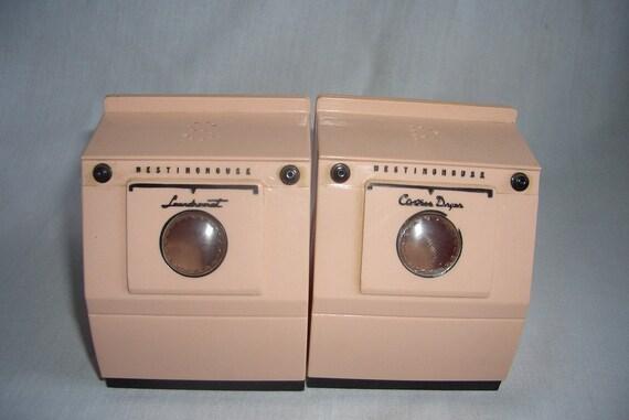 Vintage Washer Dryer Salt and Pepper Shakers