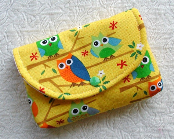 Large Snap Pouch ...Owls on a Limb in Yellow