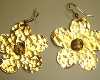 Hammered flowers-Daisy earrings golden and citrine  accent